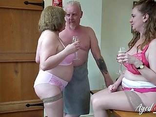 AgedLovE Two Matures and Handy Man in 3Some Sex